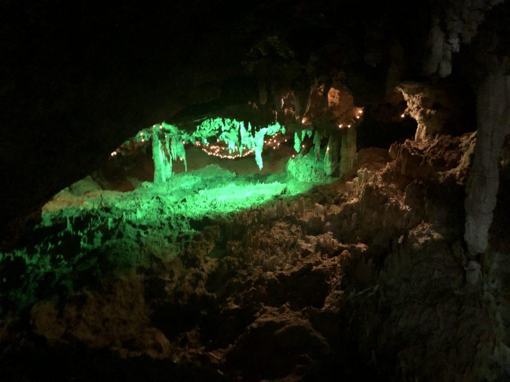 石垣鍾乳洞内部の様子