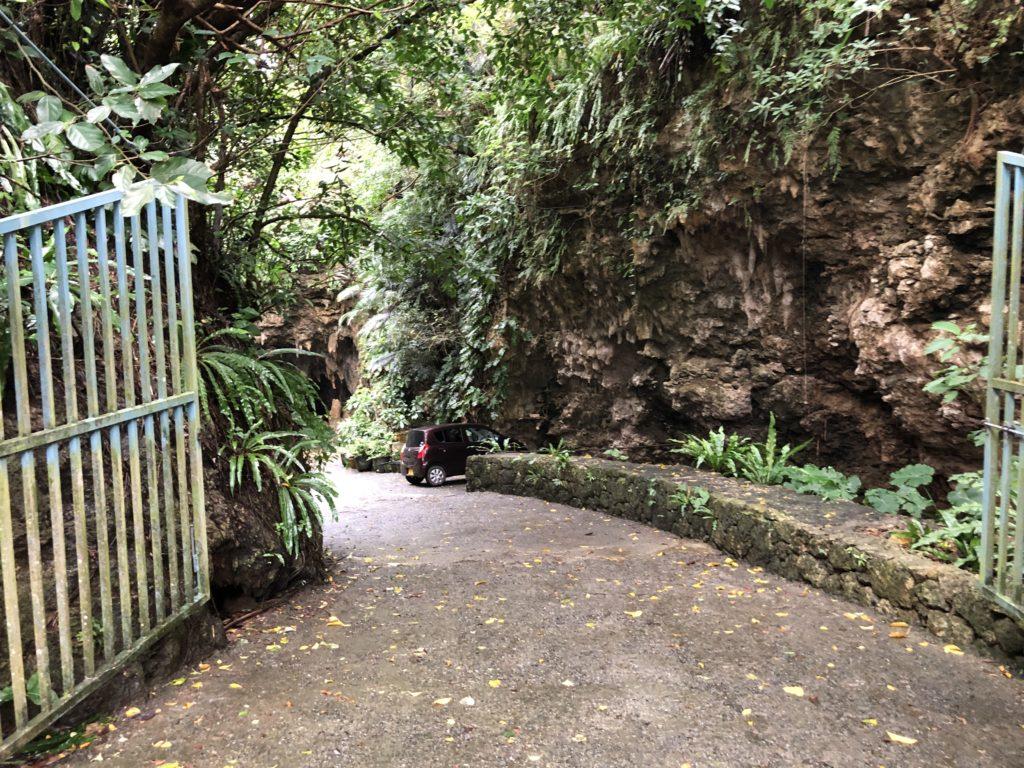 サビチ鍾乳洞の入り口
