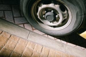 タイヤと光